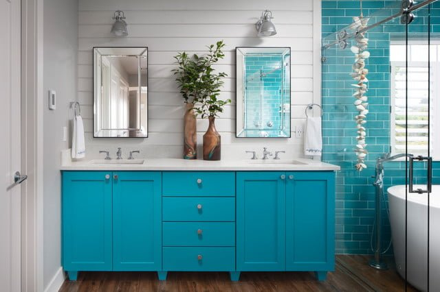 Bathtub decor coastal